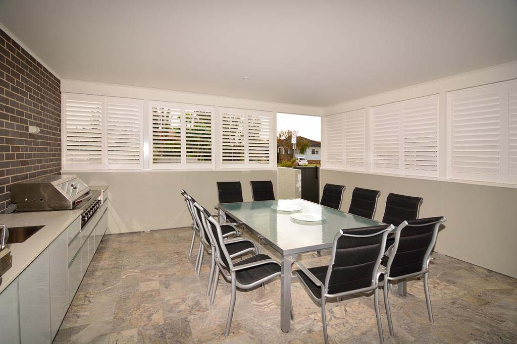 Luxaflex PolySatin shutters dining area