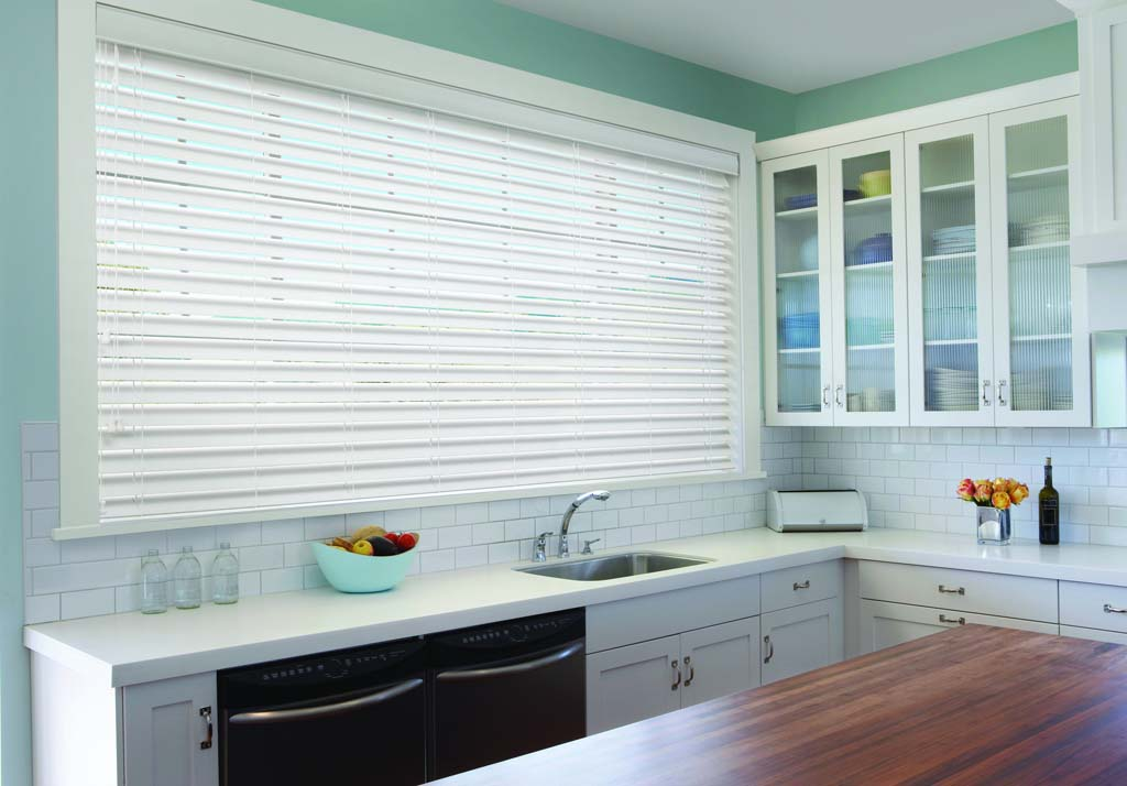 Luxaflex Country Woods blinds in kitchen