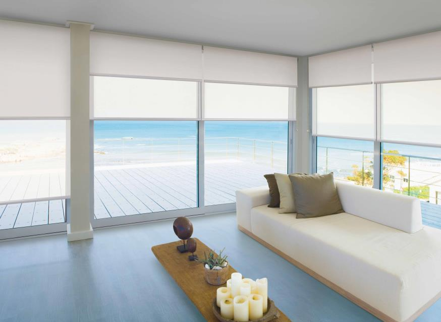 Motorised roller blinds with Edge technology