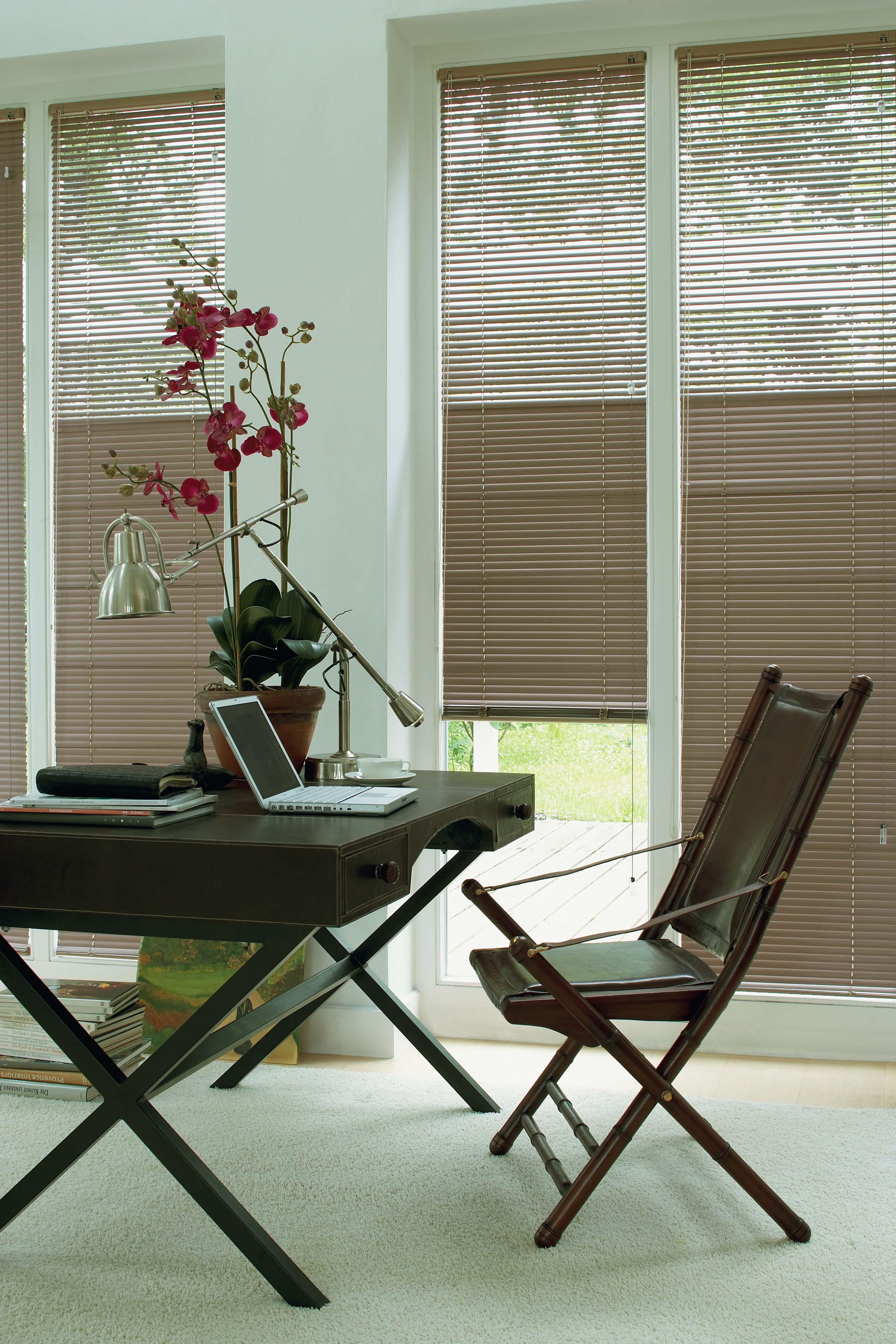 New York Venetian blinds closed