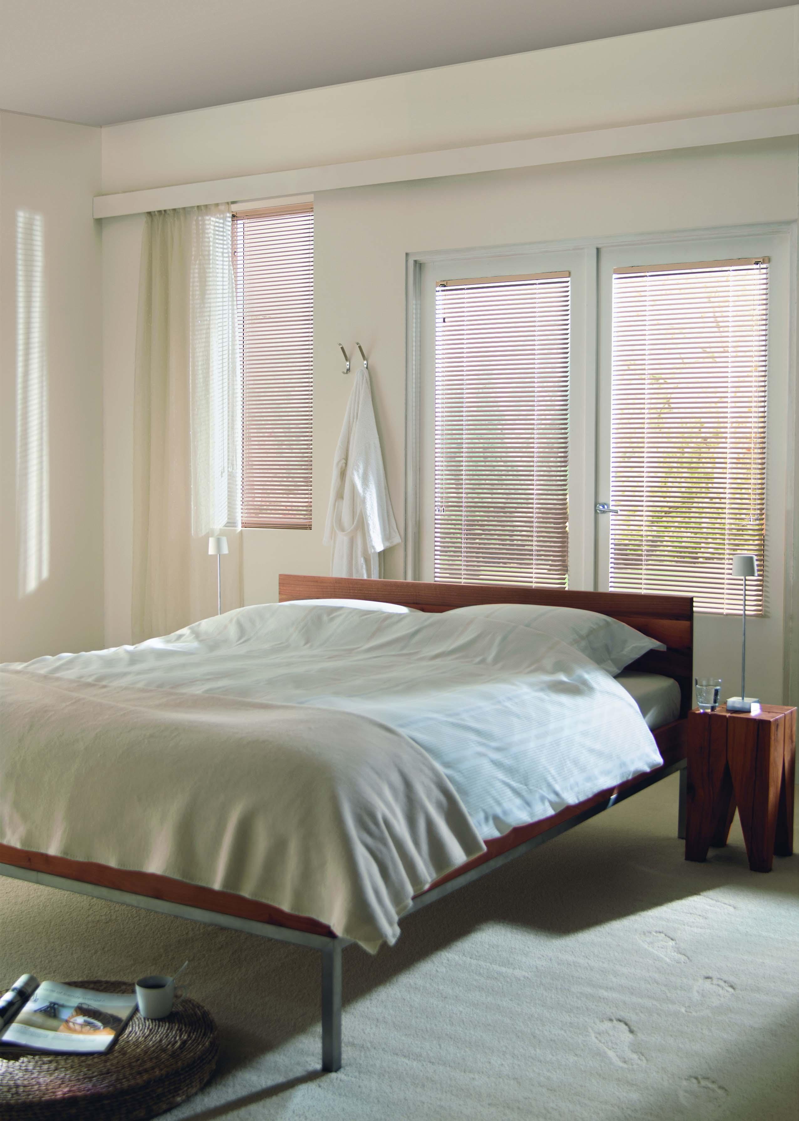 Aluminium Venetian blinds bedroom